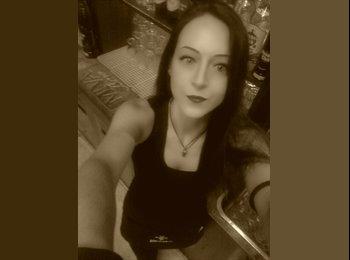 EasyStanza IT - Laura - 32 - Bologna