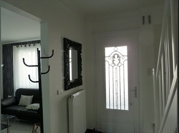 Appartager LU - Chambre calme, propre et spacieuse dans maison de maître, Luxembourg Ville - 655 € / Mois