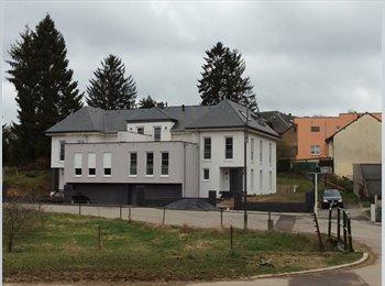 Appartager LU - Chambre spacieuse meublée dans nouvelle maison, Capellen - 980 € / Mois