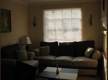 CompartoDepa MX - Rento habitación amueblada cerca CUCEI, Tlaquepaque - MX$2,500 por mes