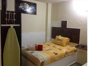CompartoDepa MX - Habitaciones  doble  con  servicio de hotel  , Coatzacoalcos - MX$4,500 por mes