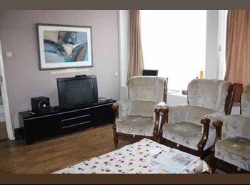 EasyKamer NL - Te huur gemeubileerde kamer van 10 m2 voor €325,- All-in, Hengelo - € 325 p.m.