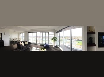 NZ - Stylish quality penthouse apartment, top of the Pacific Tower., Christchurch - $880 pw