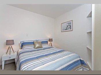 NZ - Queen Streeet, Double Room for rent, Auckland - $350 pw