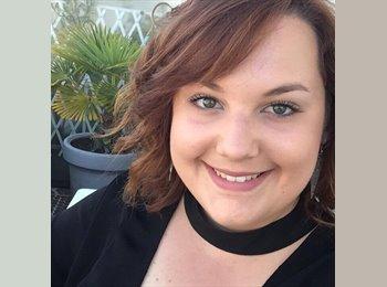 NZ - Laura - 20 - Wellington