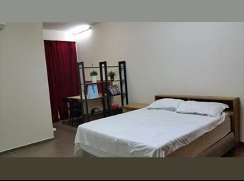 EasyRoommate SG - Spacious Master Room with Bathroom Near Bugis Area., Nicoll Highway - $1,500 pm