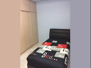 EasyRoommate SG - MINUTES walk to Marsiling MRT! 163 Woodlands street 13 common room for rent! , Marsiling - $700 pm