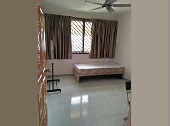 EasyRoommate SG - Near Simei MRT! Common room at 116 simei street 1 for rent! Aircon wifi! , Simei - $700 pm