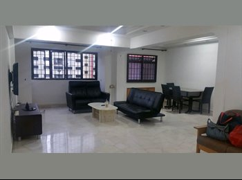 EasyRoommate SG - Woodlands Blk 640 HDB 5 room flat (3+1) for rent , Admiralty - $1,800 pm
