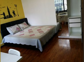 EasyRoommate SG - Spacious room for rent in Central West of Singapore - Bukit Timah area, Beauty World - $1,300 pm