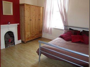 EasyRoommate UK - Luxury Large Double Room , Balsall Heath - £395 pcm