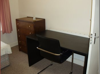EasyRoommate UK - Rooms to rent in shared house, Huddersfield - £300 pcm