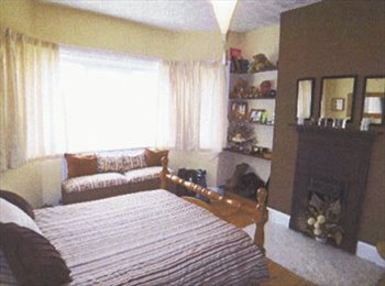 EasyRoommate UK - Large Double Room Available in Southampton House., Upper Shirley - £395 pcm