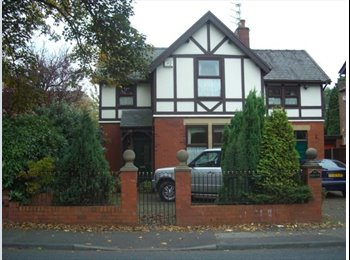 EasyRoommate UK - Room available now in a large character property - FIBRE 100MB WIFI, Preston - £280 pcm