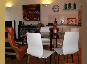 EasyRoommate UK - Modern En Suite Double Room in South East London, Woolwich - £590 pcm