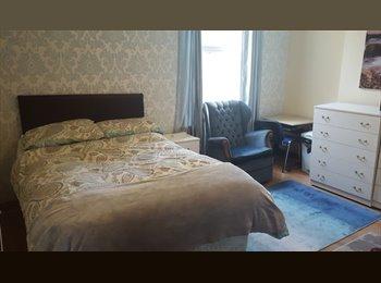 EasyRoommate UK - DOUBLE ROOM TO LET IN ACOCKS GREEN, BIRMINGHAM, Acocks Green - £320 pcm