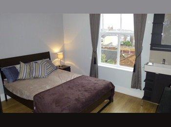 EasyRoommate UK - Stunning Modern Houseshare, Rotton Park - £395 pcm