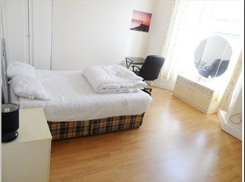 EasyRoommate UK - fully furnished double room  to rent  1 mile from Liverpool centre, Anfield - £280 pcm
