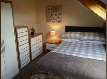 EasyRoommate UK - Beautiful Fully Furnished Rooms BD3 0NA, Little Germany - £360 pcm