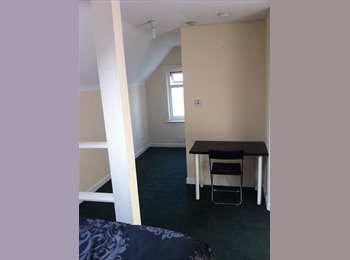 EasyRoommate UK - double room ensuite Ideal for Uni only 1.8m to JMU, Tuebrook - £300 pcm