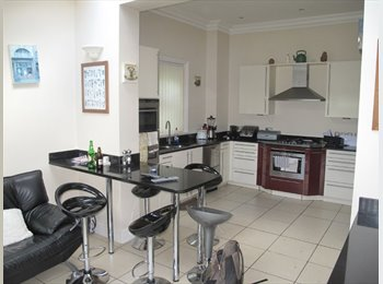 EasyRoommate UK - Double room to rent in shared house near the Sea, Southsea - £450 pcm