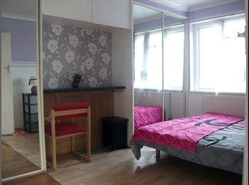 EasyRoommate UK - BIG ROOMS,HOUSE all modern near  tubes FOR FRIENDS, Preston - £500 pcm