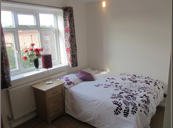 EasyRoommate UK - Double bedroom with ensuite, Kingston Vale - £650 pcm