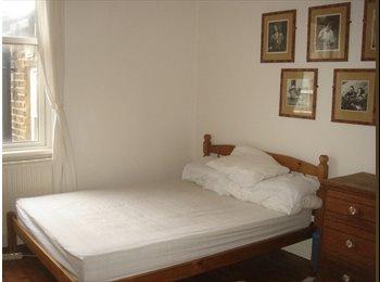 EasyRoommate UK - comfortable double room in croydon, Woodside - £550 pcm