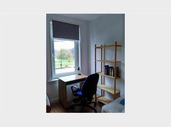 EasyRoommate UK - SINGLE ROOM IN BELLAHOUSTON PARK, Mosspark - £350 pcm
