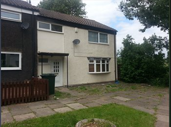 EasyRoommate UK - 3 BED HOUSE WYKEN  near to schools and hospital, Stoke - £750 pcm