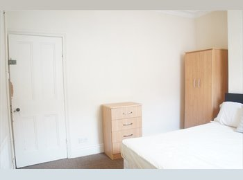 EasyRoommate UK - Friendly Student House Share, Pope Street, LE2 , Clarendon Park - £347 pcm
