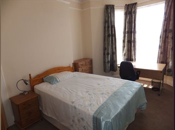EasyRoommate UK - Lovely  Double rooms available; ALL INCLUSIVE, Mannamead - £400 pcm