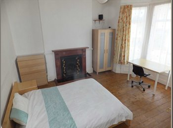 EasyRoommate UK -  Double Rooms available, near Central Plymouth, Mannamead - £400 pcm