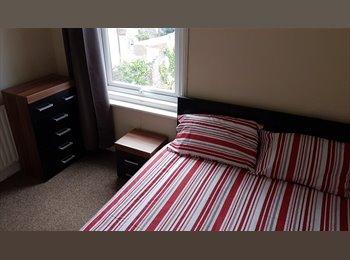 EasyRoommate UK - Great double rooms -ALL bills Inc., Southsea - £400 pcm