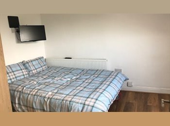 EasyRoommate UK - *BRAND NEW* Private En-suite rooms, Ecclesall Road, Banner Cross - £450 pcm