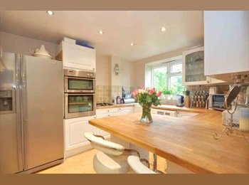 EasyRoommate UK - flat share in addiscombe, Addiscombe - £500 pcm