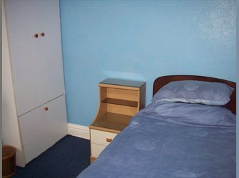EasyRoommate UK - SINGLE ROOM IN FRIENDLY HOUSE IN GOOD LOCATION, Milton - £350 pcm