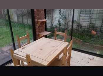 EasyRoommate UK - Lovely Room :  Close to The Downs, Henleaze - £675 pcm
