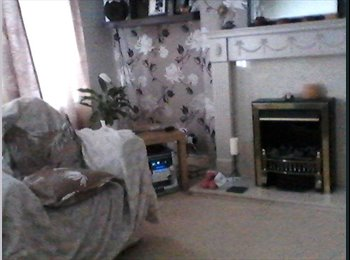 EasyRoommate UK - double room, bigger than it looks on picture. freshly decorated , Northfield - £340 pcm