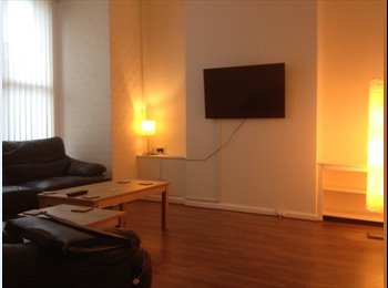 EasyRoommate UK - Double Rooms in Newly Refurb House - £70 Cashback, Everton - £303 pcm