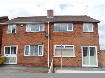 EasyRoommate UK - IMMACULATE NEWLY REFURBISHED 3 BEDROOM HOUSE , Handsworth - £600 pcm