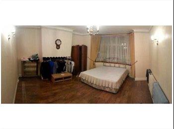 EasyRoommate UK - Large Double room , Dollis Hill - £750 pcm