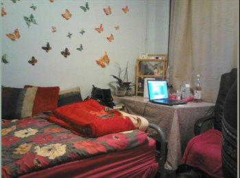 EasyRoommate UK - home to share: 5 mins walk to station, Upton Park - £420 pcm