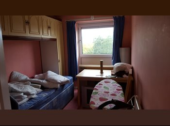 EasyRoommate UK - Room close to Town Centre, Asda and  station - Short Term, Fratton - £450 pcm