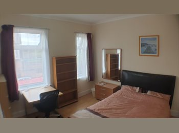 EasyRoommate UK - Lovely Single Room inc Internet and Bills close to Cov Uni, Barras Heath - £330 pcm