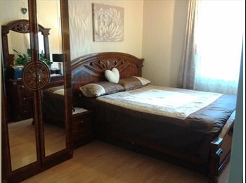 EasyRoommate UK - A  very lovely room is available for short term or long term, Upton Park - £600 pcm