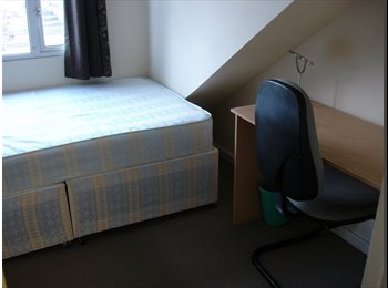 EasyRoommate UK - £355 per month INCLUDES ALL BILLS, wifi & Cleaner- Southsea, Milton - £355 pcm