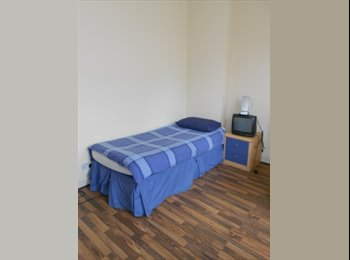 EasyRoommate UK - Don't Miss This One!! Single room for Just £597pcm!! In Willesden Green (zone 2)!!, Cricklewood - £542 pcm