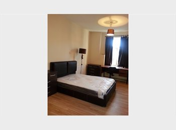 EasyRoommate UK - luxourious house with double rooms, Longsight - £295 pcm