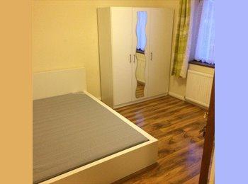 EasyRoommate UK - Huge double room in Brent Cross / Hendon, Brent Cross - £600 pcm